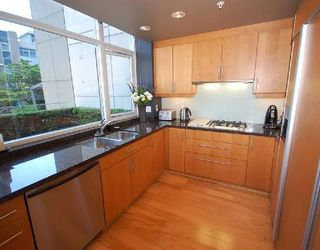 Photo 2: TH1 1233 CORDOVA Street in Vancouver: Home for sale : MLS®# V721761
