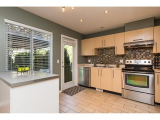 """Photo 8: 22 18883 65 Avenue in Surrey: Cloverdale BC Townhouse for sale in """"APPLEWOOD"""" (Cloverdale)  : MLS®# R2170733"""