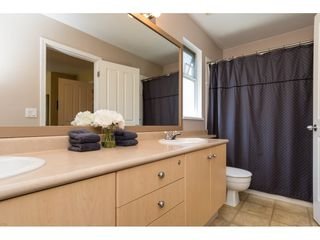 """Photo 15: 22 18883 65 Avenue in Surrey: Cloverdale BC Townhouse for sale in """"APPLEWOOD"""" (Cloverdale)  : MLS®# R2170733"""