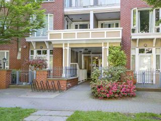 "Photo 12: 112 2628 YEW Street in Vancouver: Kitsilano Condo for sale in ""Connaught Place"" (Vancouver West)  : MLS®# R2171360"