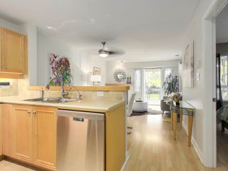 "Photo 7: 112 2628 YEW Street in Vancouver: Kitsilano Condo for sale in ""Connaught Place"" (Vancouver West)  : MLS®# R2171360"