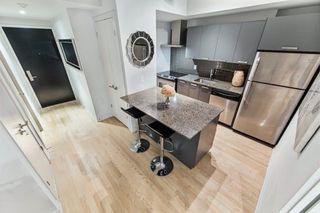 Photo 1: 718 95 Bathurst Street in Toronto: Waterfront Communities C1 Condo for sale (Toronto C01)  : MLS®# C3828879