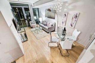Photo 3: 718 95 Bathurst Street in Toronto: Waterfront Communities C1 Condo for sale (Toronto C01)  : MLS®# C3828879