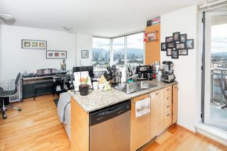 "Photo 8: 403 2483 SPRUCE Street in Vancouver: Fairview VW Condo for sale in ""SKYLINE"" (Vancouver West)  : MLS®# R2189151"