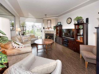 """Photo 7: 13 9168 FLEETWOOD Way in Surrey: Fleetwood Tynehead Townhouse for sale in """"THE FOUNTAINS 2"""" : MLS®# R2194406"""
