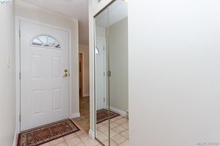 Photo 2: 14 3049 Brittany Drive in VICTORIA: Co Colwood Corners Townhouse for sale (Colwood)  : MLS®# 382509