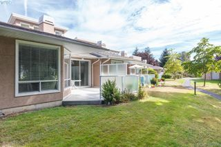 Photo 18: 14 3049 Brittany Drive in VICTORIA: Co Colwood Corners Townhouse for sale (Colwood)  : MLS®# 382509