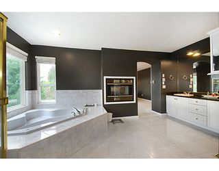 """Photo 12: 1715 SUGARPINE Court in Coquitlam: Westwood Plateau House for sale in """"WESTWOOD PLATEAU"""" : MLS®# R2206974"""