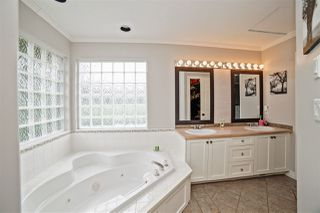 "Photo 15: 31783 ISRAEL Avenue in Mission: Mission BC House for sale in ""Golf Course/Sports Park"" : MLS®# R2207994"