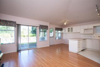 "Photo 9: 63 20751 87 Avenue in Langley: Walnut Grove Townhouse for sale in ""Summerfield"" : MLS®# R2211138"