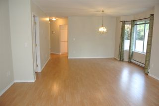 Photo 3: 212 16031 82 AVENUE in Surrey: Fleetwood Tynehead Townhouse for sale : MLS®# R2197263