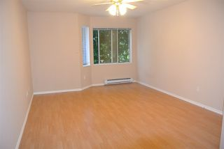 Photo 8: 212 16031 82 AVENUE in Surrey: Fleetwood Tynehead Townhouse for sale : MLS®# R2197263