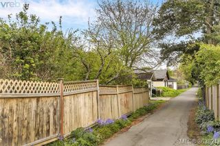 Photo 18: 1127 Chapman Street in VICTORIA: Vi Fairfield West Single Family Detached for sale (Victoria)  : MLS®# 363821