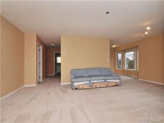 Photo 4: 301 2900 Orillia Street in VICTORIA: SW Gorge Residential for sale (Saanich West)  : MLS®# 344989