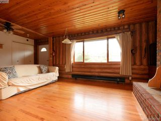 Photo 3: 1934 Caldwell Rd in SOOKE: Sk Sooke Vill Core House for sale (Sooke)  : MLS®# 782967