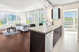 """Photo 10: 801 1650 W 7TH Avenue in Vancouver: Fairview VW Condo for sale in """"The Virtu"""" (Vancouver West)  : MLS®# R2278032"""