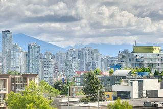 """Photo 2: 801 1650 W 7TH Avenue in Vancouver: Fairview VW Condo for sale in """"The Virtu"""" (Vancouver West)  : MLS®# R2278032"""