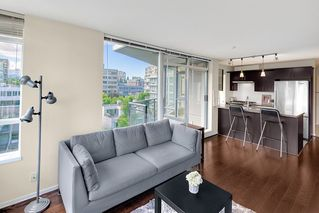 """Photo 6: 801 1650 W 7TH Avenue in Vancouver: Fairview VW Condo for sale in """"The Virtu"""" (Vancouver West)  : MLS®# R2278032"""