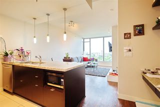 """Photo 10: 2205 7088 18TH Avenue in Burnaby: Edmonds BE Condo for sale in """"Park 360"""" (Burnaby East)  : MLS®# R2281295"""