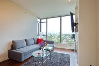 """Photo 3: 2205 7088 18TH Avenue in Burnaby: Edmonds BE Condo for sale in """"Park 360"""" (Burnaby East)  : MLS®# R2281295"""
