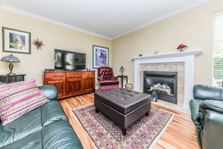 "Photo 2: 103 11510 225 Street in Maple Ridge: East Central Condo for sale in ""RIVERSIDE"" : MLS®# R2292973"