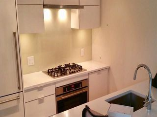Photo 2: 802 238 W BROADWAY in Vancouver: Mount Pleasant VW Condo for sale (Vancouver West)  : MLS®# R2325499