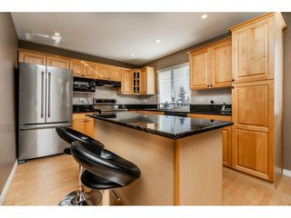 Photo 5: 1612 HEMLOCK Place in Port Moody: Mountain Meadows House for sale : MLS®# R2343943