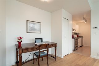"Photo 8: 1410 989 NELSON Street in Vancouver: Downtown VW Condo for sale in ""ELECTRA"" (Vancouver West)  : MLS®# R2350071"