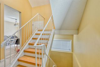 Photo 3: 706 SADDLEBACK Road in Edmonton: Zone 16 Townhouse for sale : MLS®# E4154163
