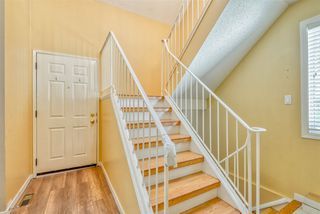 Photo 2: 706 SADDLEBACK Road in Edmonton: Zone 16 Townhouse for sale : MLS®# E4154163