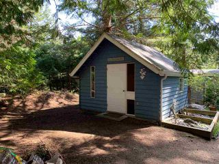 Photo 2: 8049 WILDWOOD Road in Halfmoon Bay: Halfmn Bay Secret Cv Redroofs House for sale (Sunshine Coast)  : MLS®# R2367289