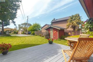 Photo 22: 36 W Maddock Avenue in VICTORIA: SW Tillicum Single Family Detached for sale (Saanich West)  : MLS®# 410544