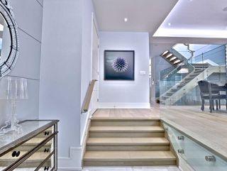 Photo 2: 82 Carmichael Avenue in Toronto: Bedford Park-Nortown House (2-Storey) for sale (Toronto C04)  : MLS®# C4452320