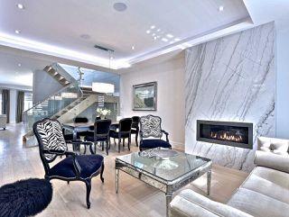 Photo 4: 82 Carmichael Avenue in Toronto: Bedford Park-Nortown House (2-Storey) for sale (Toronto C04)  : MLS®# C4452320
