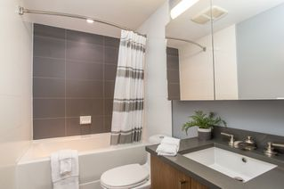 """Photo 16: 301 251 E 7TH Avenue in Vancouver: Mount Pleasant VE Condo for sale in """"The District"""" (Vancouver East)  : MLS®# R2375949"""