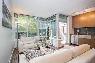 """Photo 3: 301 251 E 7TH Avenue in Vancouver: Mount Pleasant VE Condo for sale in """"The District"""" (Vancouver East)  : MLS®# R2375949"""