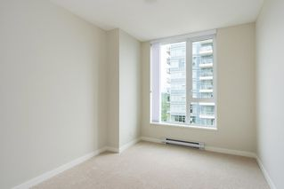 "Photo 8: 2207 3100 WINDSOR Gate in Coquitlam: New Horizons Condo for sale in ""THE LLOYD"" : MLS®# R2379078"