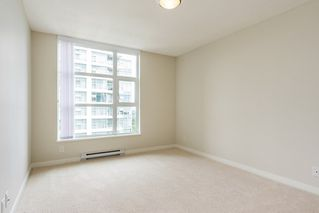 "Photo 5: 2207 3100 WINDSOR Gate in Coquitlam: New Horizons Condo for sale in ""THE LLOYD"" : MLS®# R2379078"