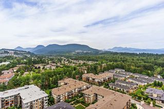 "Photo 13: 2207 3100 WINDSOR Gate in Coquitlam: New Horizons Condo for sale in ""THE LLOYD"" : MLS®# R2379078"