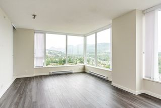 "Photo 2: 2207 3100 WINDSOR Gate in Coquitlam: New Horizons Condo for sale in ""THE LLOYD"" : MLS®# R2379078"