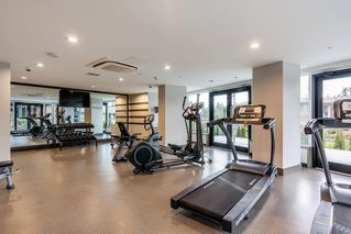 "Photo 17: 2207 3100 WINDSOR Gate in Coquitlam: New Horizons Condo for sale in ""THE LLOYD"" : MLS®# R2379078"