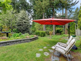 Photo 3: 4540 Pheasantwood Terr in VICTORIA: SE Broadmead House for sale (Saanich East)  : MLS®# 817353