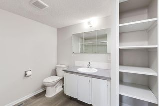 Photo 18: 72 QUEEN ISABELLA Close SE in Calgary: Queensland Semi Detached for sale : MLS®# C4254549