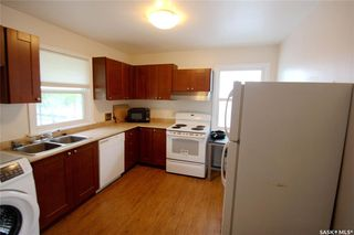 Photo 4: 409 Cumberland Avenue South in Saskatoon: Varsity View Residential for sale : MLS®# SK788031