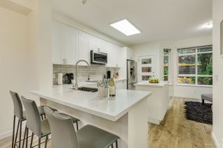 """Photo 2: 46 15 FOREST PARK Way in Port Moody: Heritage Woods PM Townhouse for sale in """"DISCOVERY RIDGE"""" : MLS®# R2420824"""