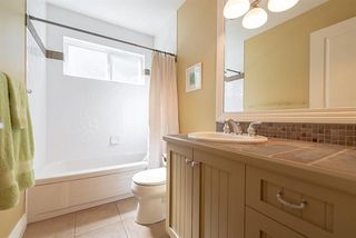 Photo 14: : Vancouver House for rent : MLS®# AR125