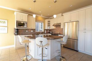 Photo 5: : Vancouver House for rent : MLS®# AR125