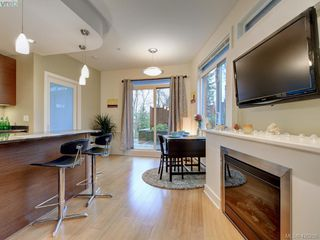Photo 3: 107 3614 Richmond Road in VICTORIA: SE Mt Tolmie Condo Apartment for sale (Saanich East)  : MLS®# 420298