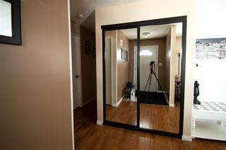 Photo 2: 1015 41 Street in Edmonton: Zone 29 House for sale : MLS®# E4192627