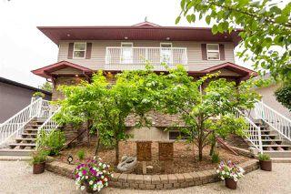 Photo 2: 9353 94 Street in Edmonton: Zone 18 House Half Duplex for sale : MLS®# E4205306